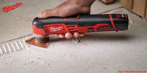 Thiết kế nhỏ gọn cho nhiều tiện ích của máy cắt Milwaukee C12 Mt