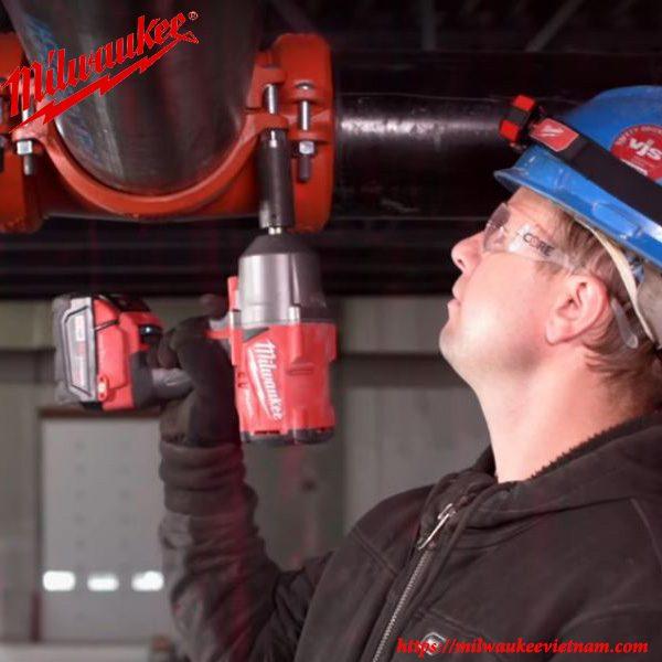 Máy siết bu lông cao cấp Milwaukee M18 ONEFHIWF34 áp dụng công nghệ hiện đại