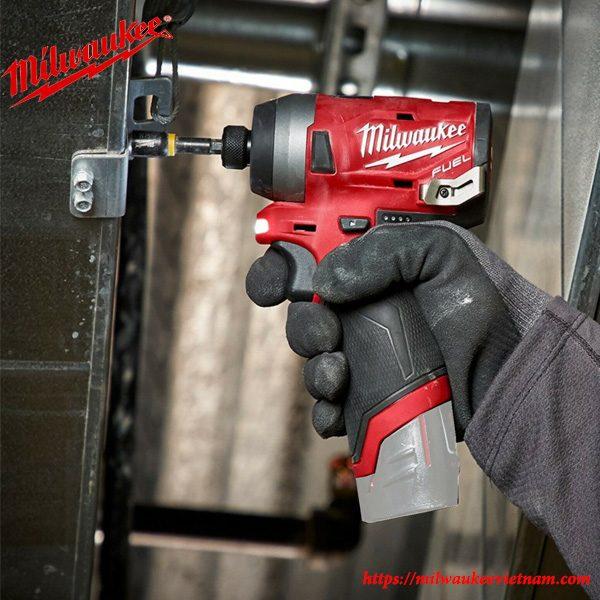Milwaukee M12 FID mạnh mẽ cho hiệu quả cao trong lao động
