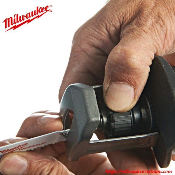 Thiết kế tiện dụng cho khả năng vận hành dễ dàng cùng Milwaukee M12 CHZ