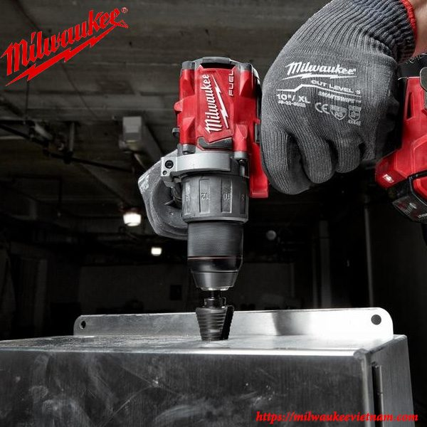 Máy khoan động lực Milwaukee M18 FPD2 tối ưu hiệu suất lao động trong hàng loạt ứng dụng