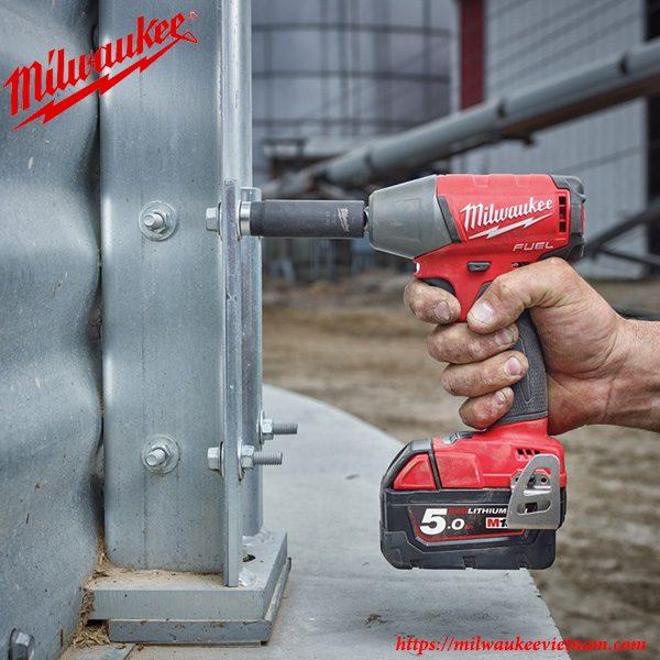 Máy siết bu lông cơ bản 1/2 Milwaukee M18 FIW12 mạnh mẽ trong mọi yêu cầu công việc