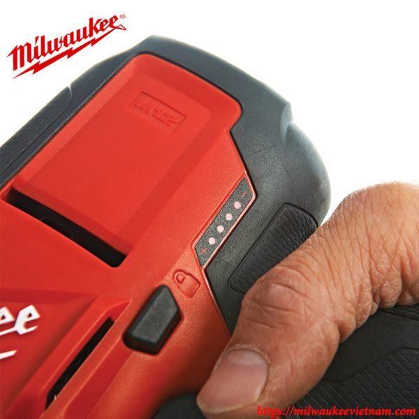 Máy cưa kiếm dùng pin Milwaukee M12 CHZ nổi bật so với các sản phẩm cùng loại