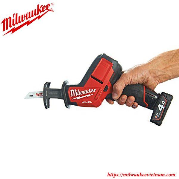 Thiết kế nhỏ gọn đầy tiện dụng của dòng máy cưa kiếm cầm tay Milwaukee C12 HZ