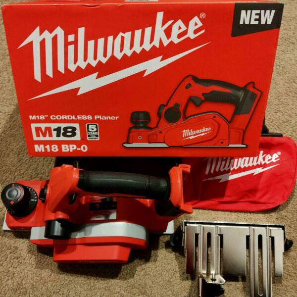 Máy bào gỗ Milwaukee M18 Bp hộp giấy và phụ kiện đi kèm